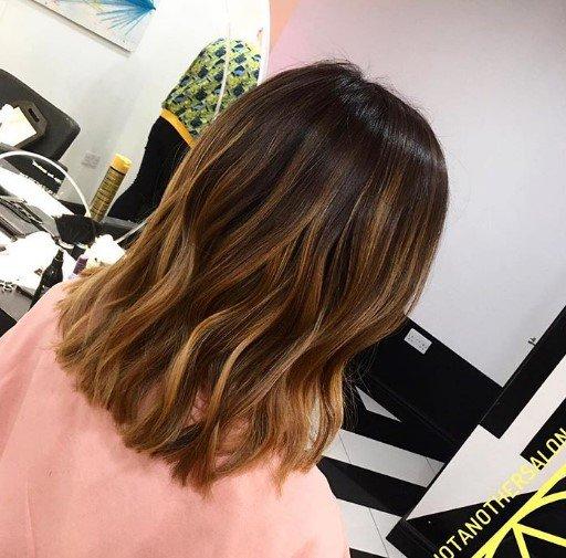 Άνοιξη-Καλοκαίρι 2018  Οι νέες τάσεις στα χρώματα μαλλιών - zoe.com.cy 0f836911325
